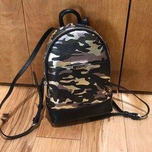 NWT Camo Kenneth Cole backpack